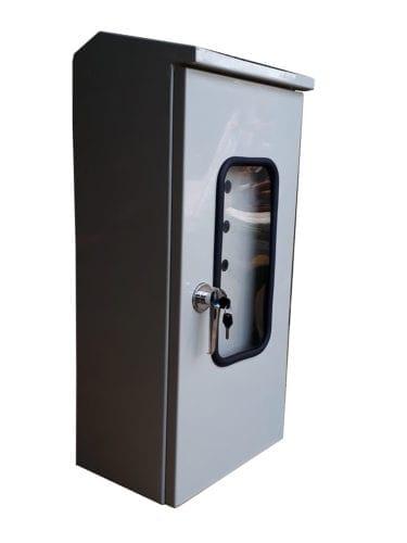 Hình 2: Vỏ tủ điện 2 cánh (Ảnh: quanpham)